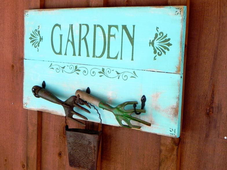 Delightful Rustic Garden Signs Designs